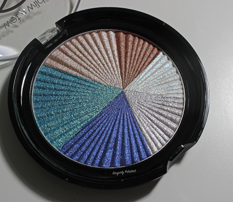 Water-Eyeshadow-Inside